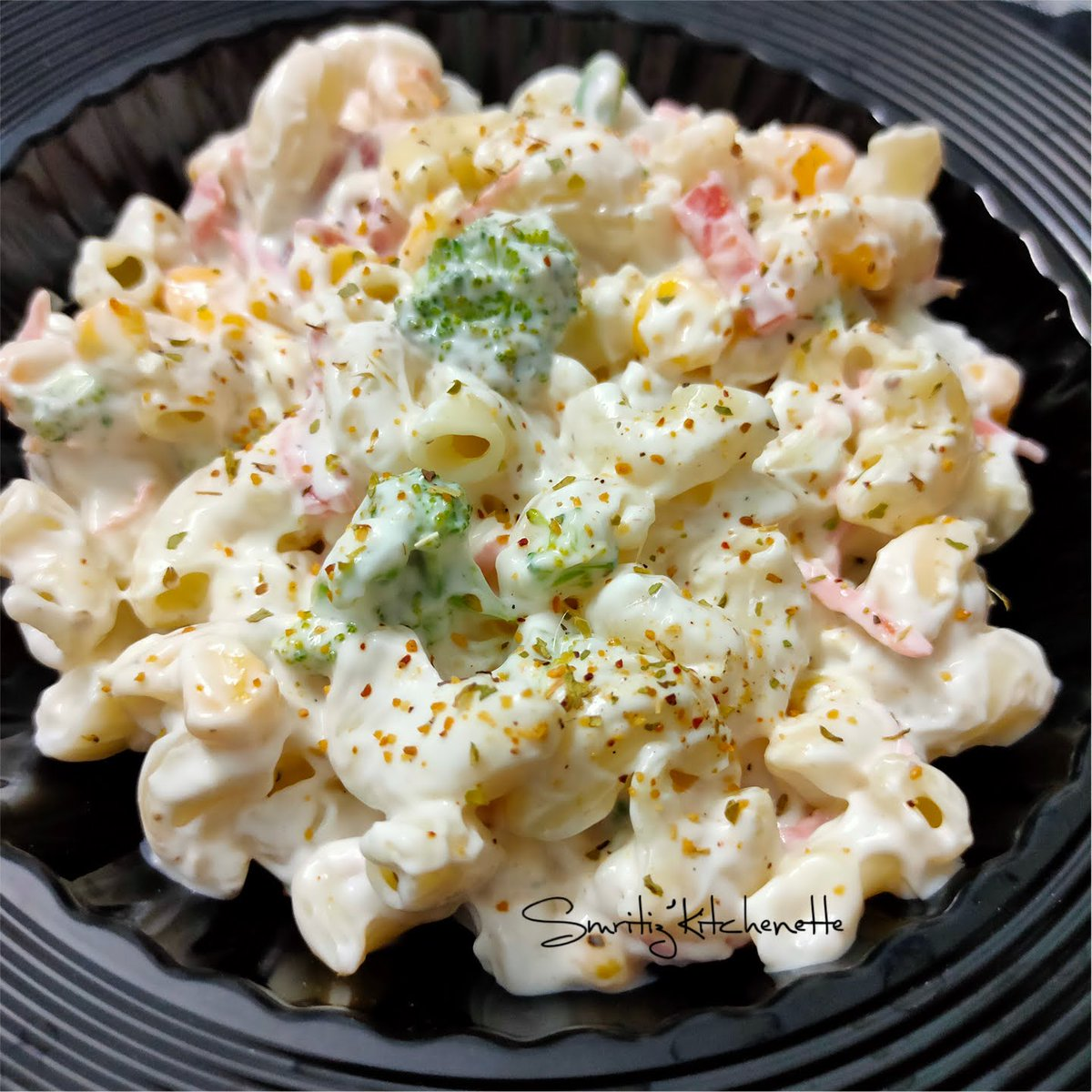 Wheat Macaroni Salad is an healthy and tasty option for your meal with fresh fruits and veggies, #fridayvibes #FridayFeeling #fridaymood #wholewheatpasta #elbowmacaroni #pastarecipe #pastasalad #salad #saladdressingrecipe #whitesaucepasta #veggies Recipe: