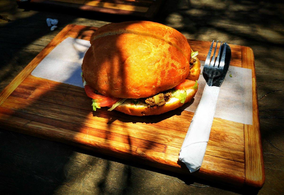 @TravelBugsWorld @Adventuringgal @jenny_travels @AOAOxymoron @HopOnMyJourney @carpediemeire @beckyexploring @AlisonAndalucia @Abfabtravels @tangoandrakija @180books @perthtravelers @suziday123 @LisaRivera2207 Welcome back #FlashbackFridayz! Mouth-watering #Food & #Drinks today. 🤤 Some of my favorite foods Vetkoek and mince  Toast a cheese A lekker Braai And of course a good burger!   Thanks to the hosts @TravelBugsWorld @Adventuringgal @jenny_travels @AOAOxymoron https://t.co/zcGhKZcehk