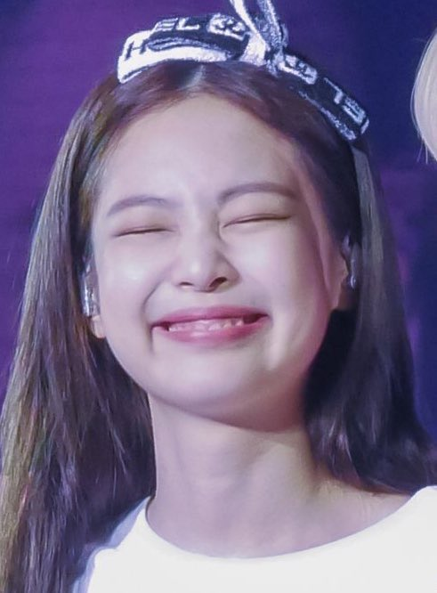 I wanna see your gummy smile like that always.What makes you happy makes me happy.I hope you will attain the happiness that you are finding .I love you so much amd Happy Birthday My love  #PricelessJennieDay #BonJennieversaire #빛이나는_제니의_모든날이_찬란하길 @BLACKPINK #JENNIE