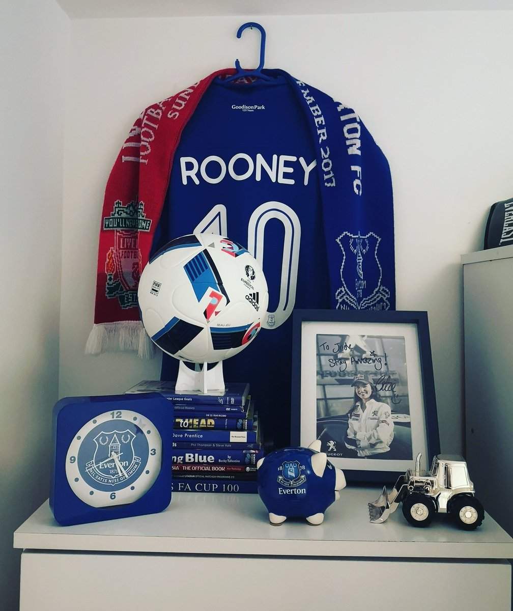 My little boy is only 4... But he will always remember the name.. Gud luck wazzer 💙 #litteboysroom #evertonroom #everton #WayneRooney #OnceABlueAlwaysABlue Time certainly flys by. @WayneRooney @Everton
