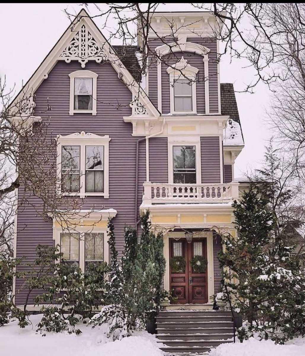 Hello Universe. Please just give this house to me. Please. #FridayMotivation #FridayFeeling
