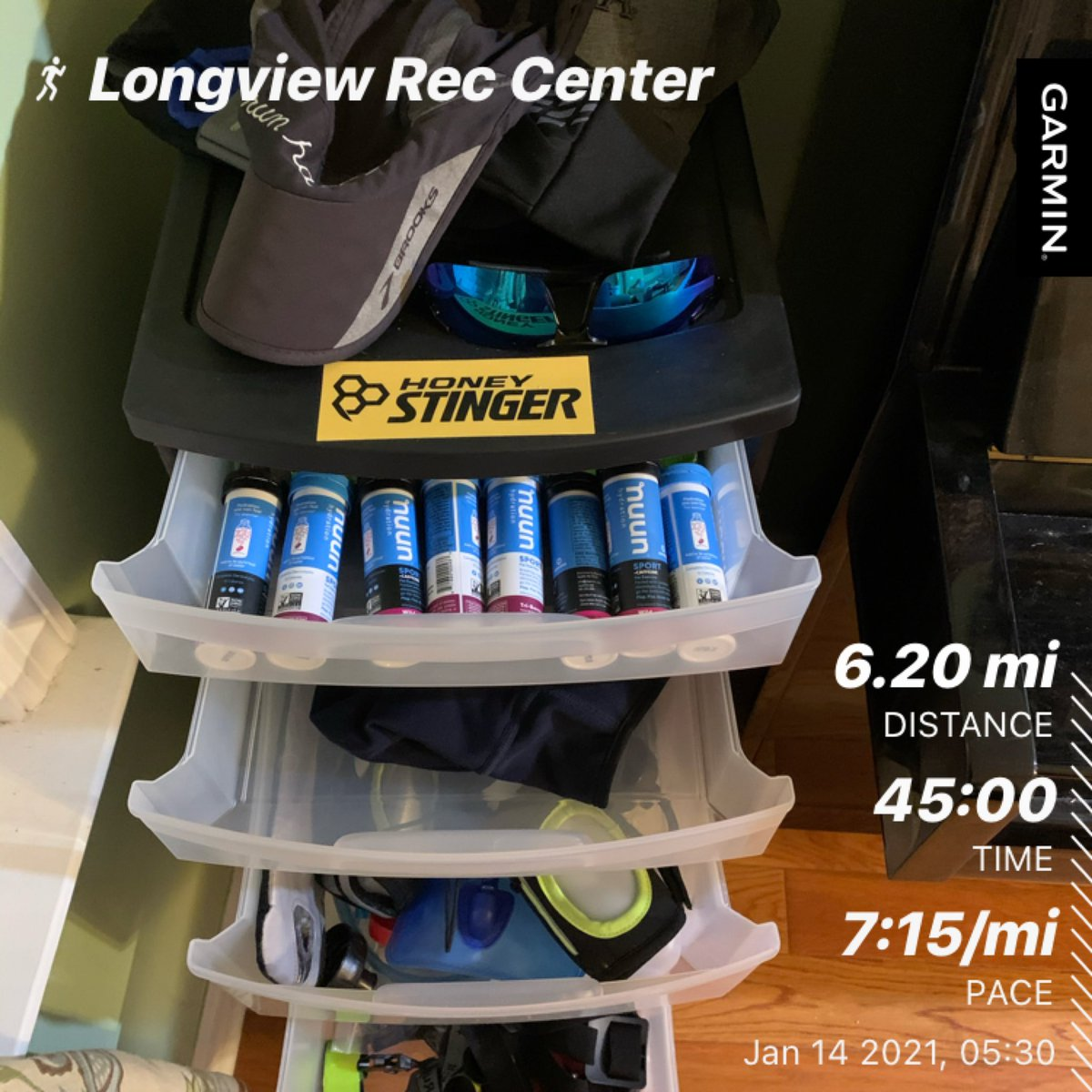 Meant to post yesterday. My love hate relationship with the treadmill continues.   1st 5k at a 7:00 pace with 2nd 5k at 7:30 pace. #nuunlife #hshive #honeystingerambassador #ultraammbassador #teamultra @HoneyStinger @nuunhydration @MichelobULTRA