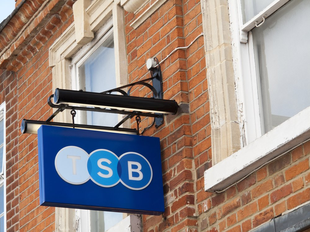 TSB removes two-year fixes above 60 per cent LTV - mortgagesolutions.co.uk/news/2021/01/1… TSB has withdrawn its two-year fixed purchase, first-time buyer and remortgage products up to 90 per cent loan to value (LT...