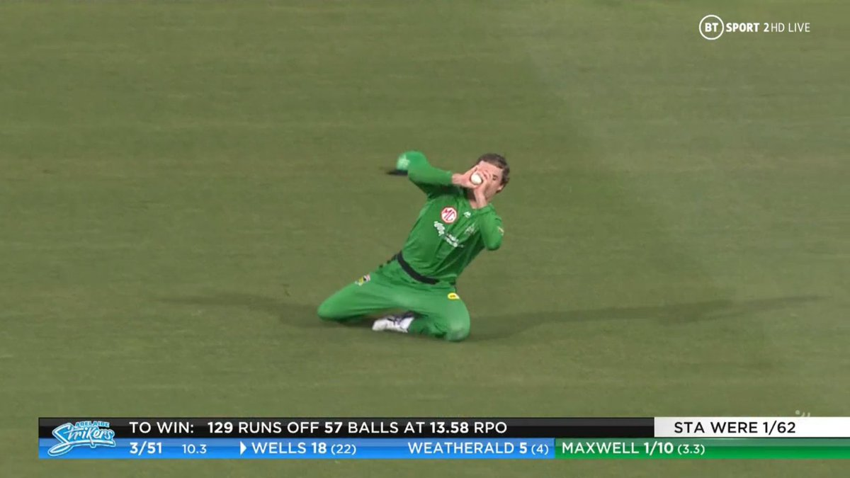 BIG BASH LEAGUE Melbourne Stars vs Adelaide Strikers  WICKET Jon Wells (18 runs scored) c sub (O'Connell) b Maxwell  FALL OF WICKET ADE 51 - 4 10.4 overs  Image Credits: BT Sport https://t.co/CkkGnDsxoG
