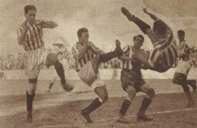 📜 HISTORIA | Betis-Sporting en Domingo de Ramos ⚽️💚  La primera vez que verdiblancos y asturianos se enfrentaron en una eliminatoria de Copa fue en 1934, el mismo día en que volvieron los pasos y las cofradías a las calles de Sevilla  ⚔️🏆  ➡️