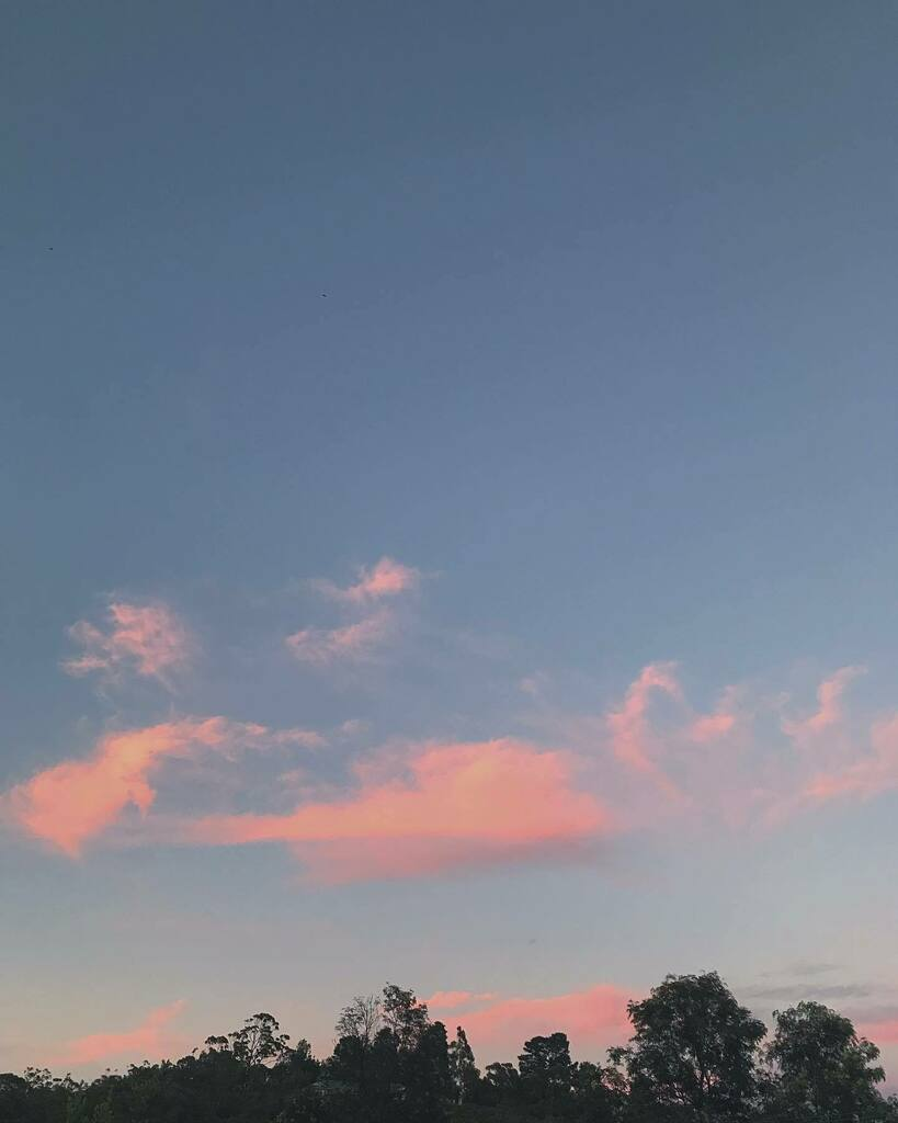Fairy floss  #sky #cloud #clouds #fairyfloss #nature #naturephotography #naturelover #naturegeography #skyphotography #sky_brilliance #cloudscape #vscocam #weekend #weekendvibes #nsw #aussie #australia #mindfulness #tuneout #clovarcreative