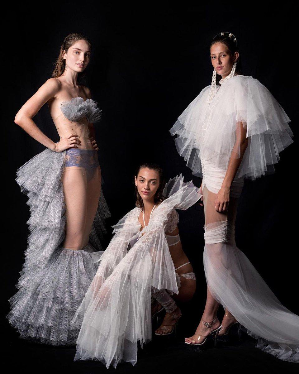 Encajes franceses de alta costura, una aplicación inédita en lencería antes de que la pusiera en práctica @andres_sarda. #MBFWMadrid https://t.co/U1hpmSIeOk