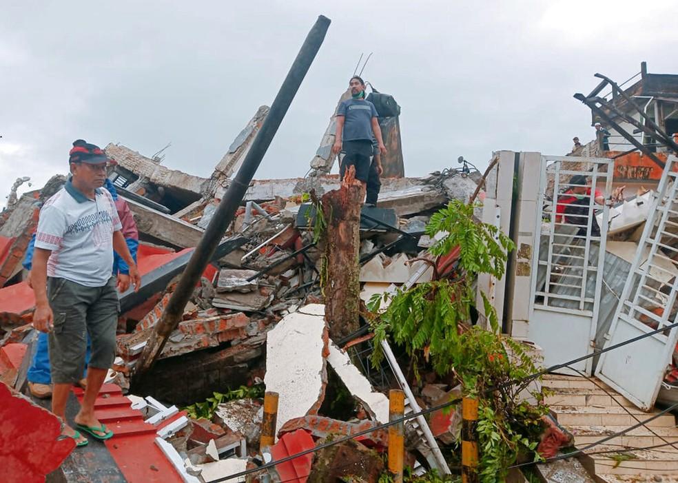 Terremoto na Indonésia deixa mortos e dezenas de feridos  #G1