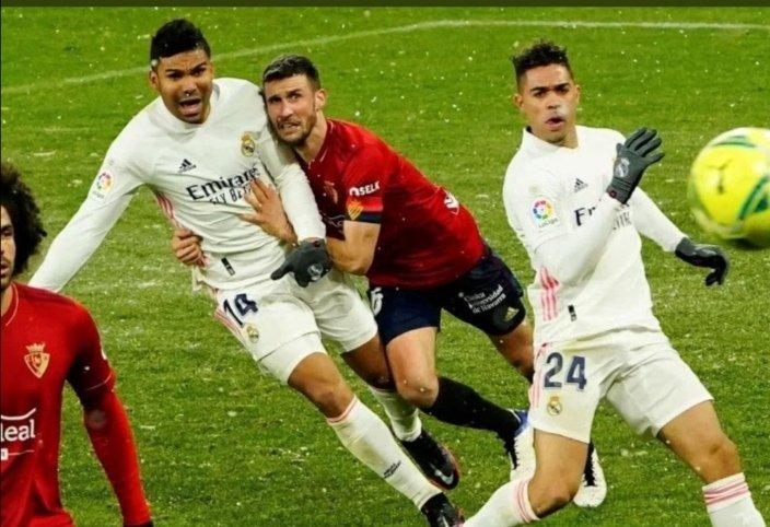 Que sí, que el Madrid jugó mal, que no se mereció jugar la final..... Pero que se oculten las imágenes.... raro raro #RMSuperCopa #HalaMadrid #RealMadrid #SupercopaDeEspana #Supercopa @LaLiga