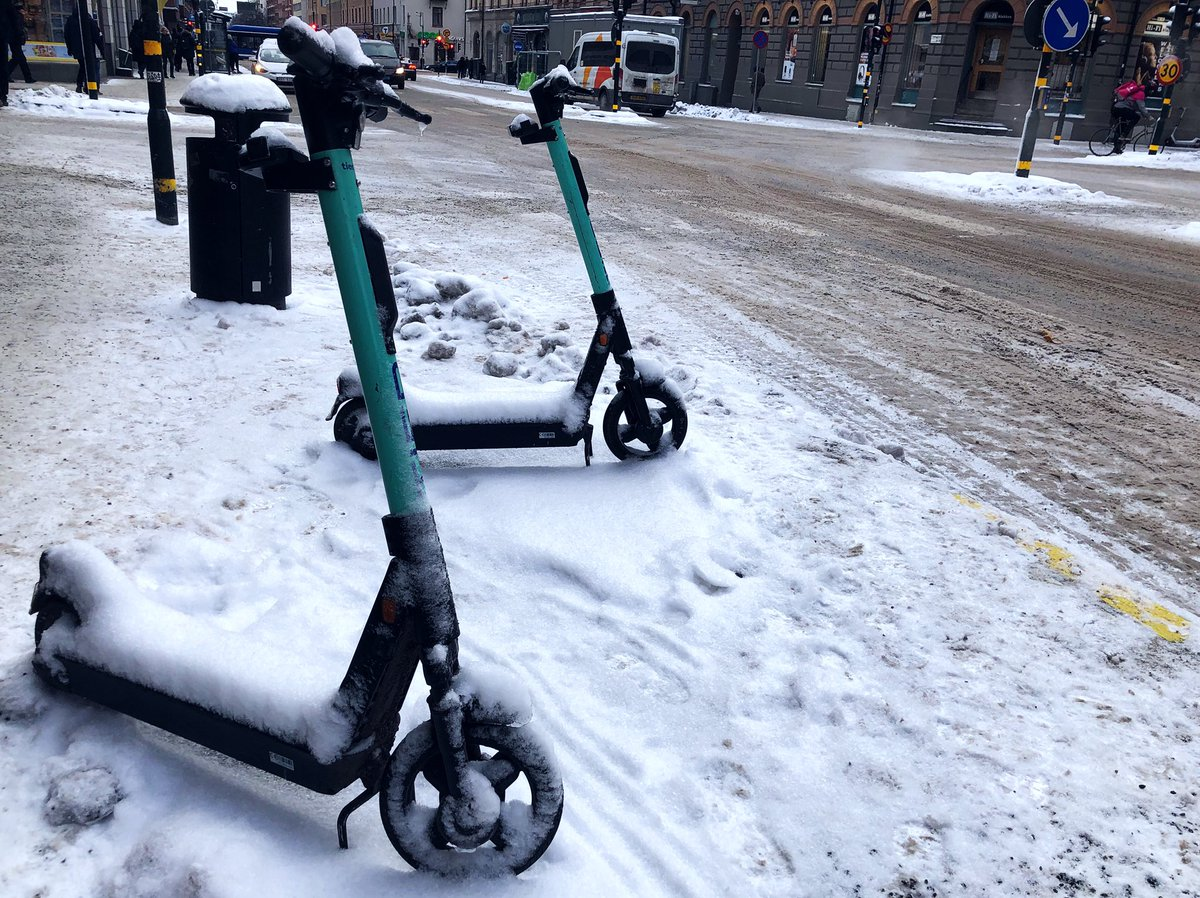 The definition of a currently non booming business. #rent #electric #scooter #tier #winter #snow #cold #icy #stockholm #sweden #sverige