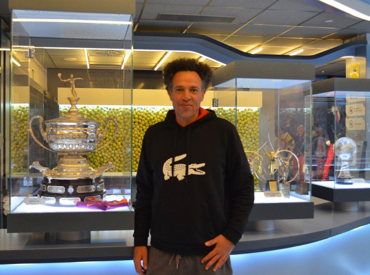 Younes El Aynaoui is at home‼️ Welcome to the #RafaNadalMuseum! We have great memories of your matches on the @atptour! Including some good battles against @RafaelNadal & @Charlymoya😉. Great to see you here!