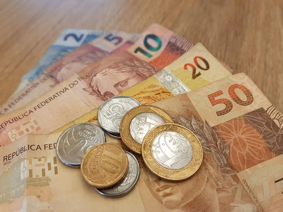 Seguro-desemprego é corrigido; parcelas vão até R$ 1,9 mil  #G1