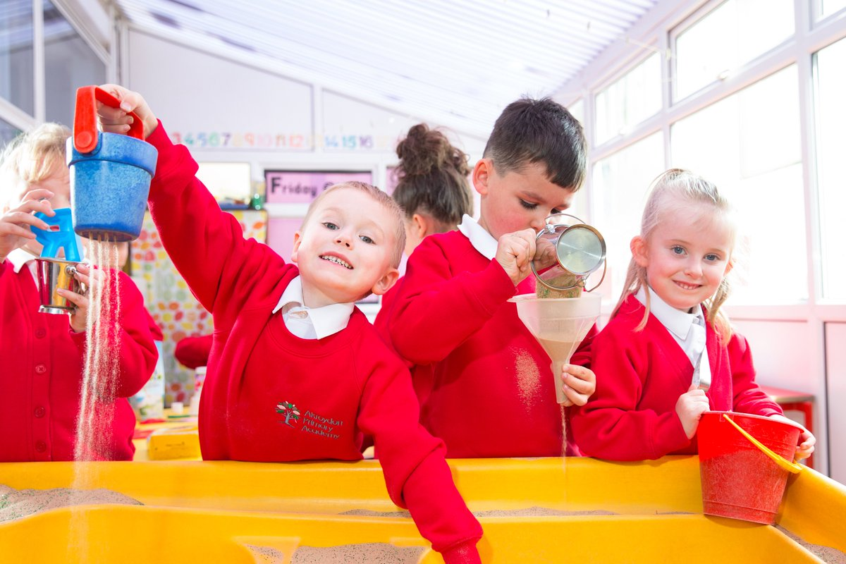 Application deadline day! Don't miss out. Apply for a reception place through Calderdale admissions today: https://t.co/B2Y49QSAEa  Warning sign The closing date is TODAY: 15th January 2021  #Reception #Primary #ApplyNow #Deadline