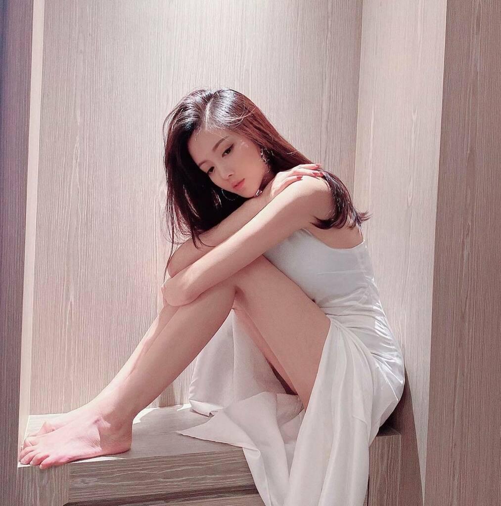 Repost @wingyi127 ・・・ 有時失去不是憂傷❄️而是一種美麗#swag #wcw #tflers • #LovelyAsianModels