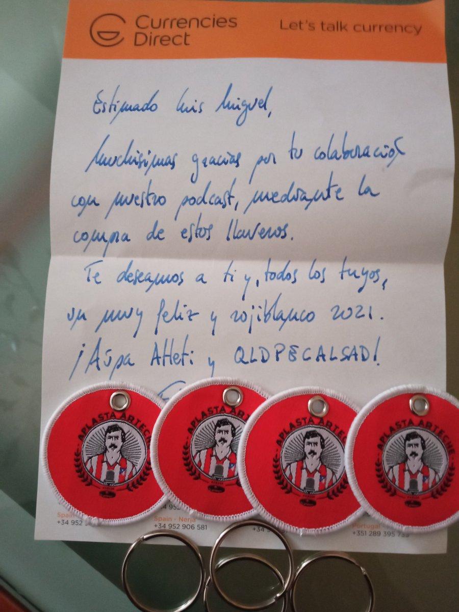 @AplastaArteche ¡Ya han llegado los llaveros y encima con notita de @EduardoDeAtleti! ¿Que más se puede pedir? #AupaAtleti