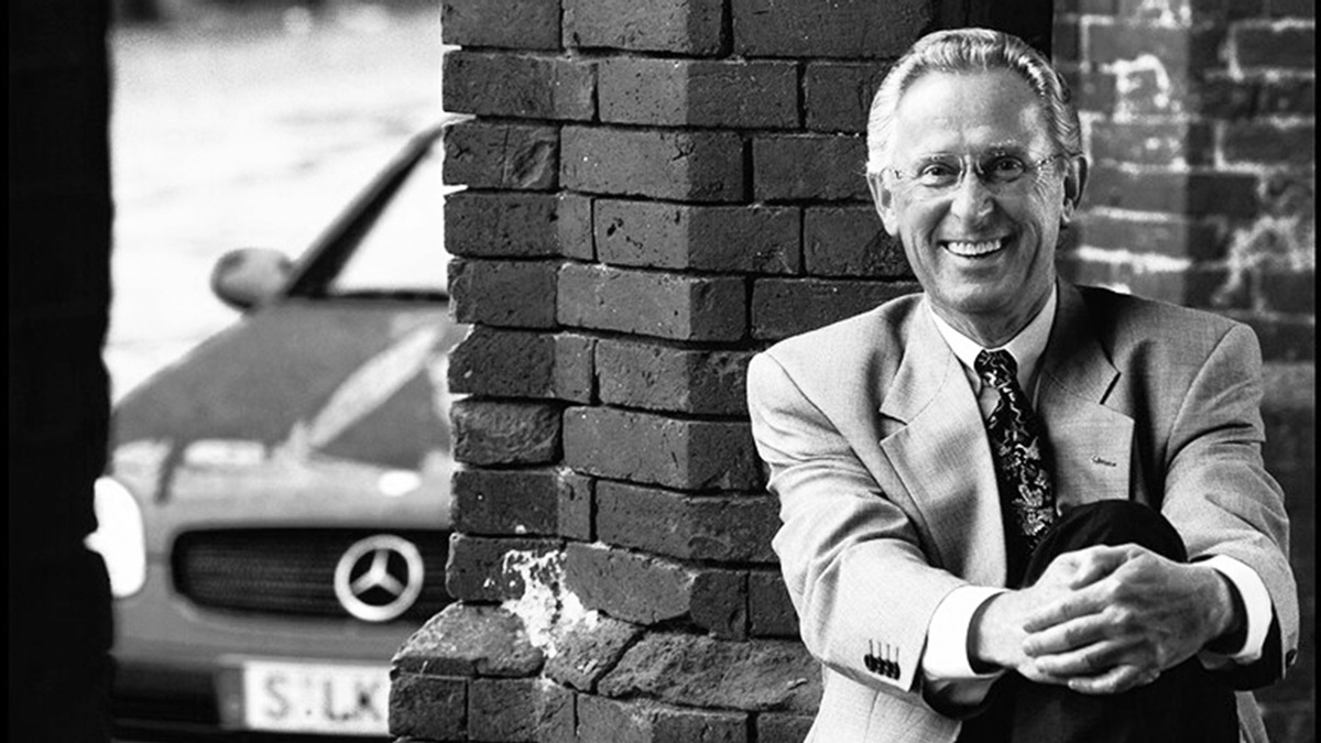 """We are deeply saddened by the loss of Professor Jürgen Hubbert, a former board member of Daimler AG. Known as """"Mr. Mercedes"""", he has been an ambassador of our company for almost 40 years. We will miss him. https://t.co/upfdbBJjrz"""