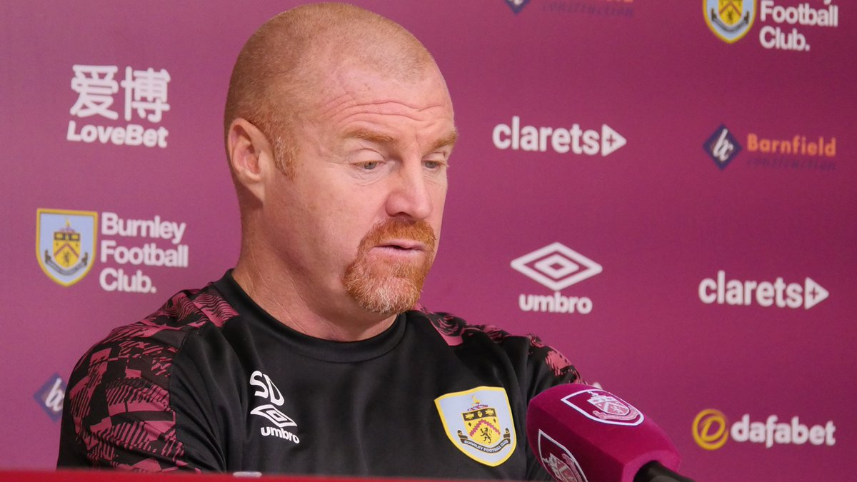 PRESS | Sean Dyche is now facing the media, ahead of tomorrow's trip to West Ham United. 🎙️  Live updates throughout, right here. ⬇️  📺-   #WHUBUR | #UTC