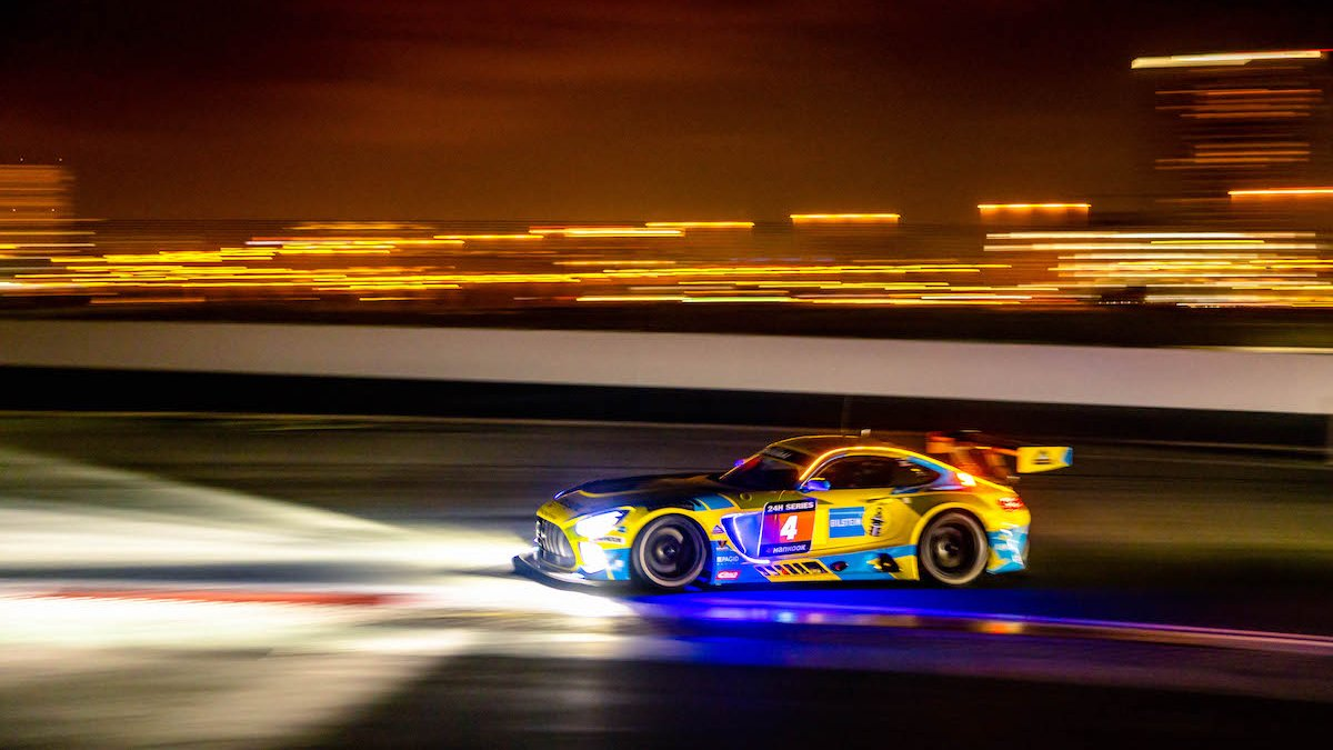 Need your racing fix? 🙏 The 24 Hours of Dubai kicks off today, with five @MercedesAMG GT3s and two GT4s on the grid 👊 https://t.co/PwPuobn0NG