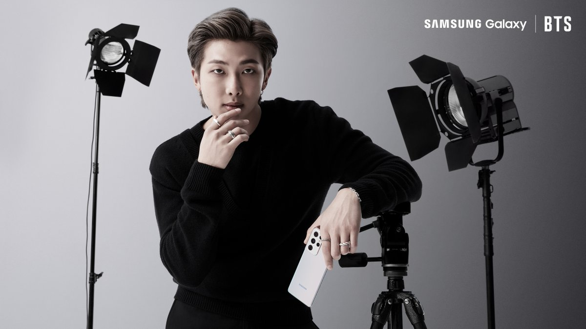📸: @BTS_twt's #RM with the new #GalaxyS21 is a whole mood.  #GalaxyxBTS #GalaxyS21TH Learn more: https://t.co/2yWBZhjRID https://t.co/4rMGGOWlgL