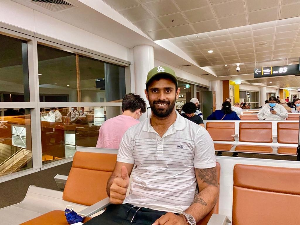 He was battling pain and discomfort but never let his resolve deter even momentarily on the momentous Day 5 in the SCG Test. Today, he heads back to India.   Wish you a speedy recovery @Hanumavihari 💪🏾 #TeamIndia