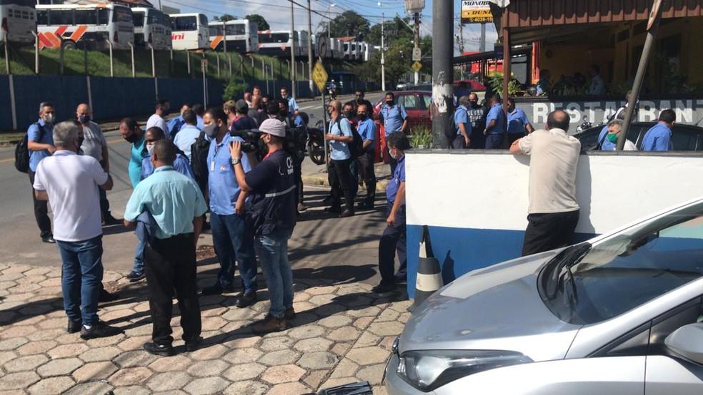 Funcionários do transporte intermunicipal suspendem greve após determinação da Justiça  #G1 #Jundiaí