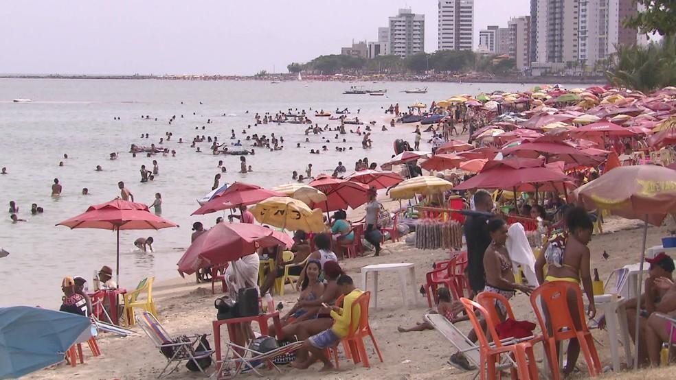 Proibição de som em bares e praia para conter aglomeração entra em vigor no estado; secretário diz que 'ônibus não é vetor importante da contaminação' =>  #G1