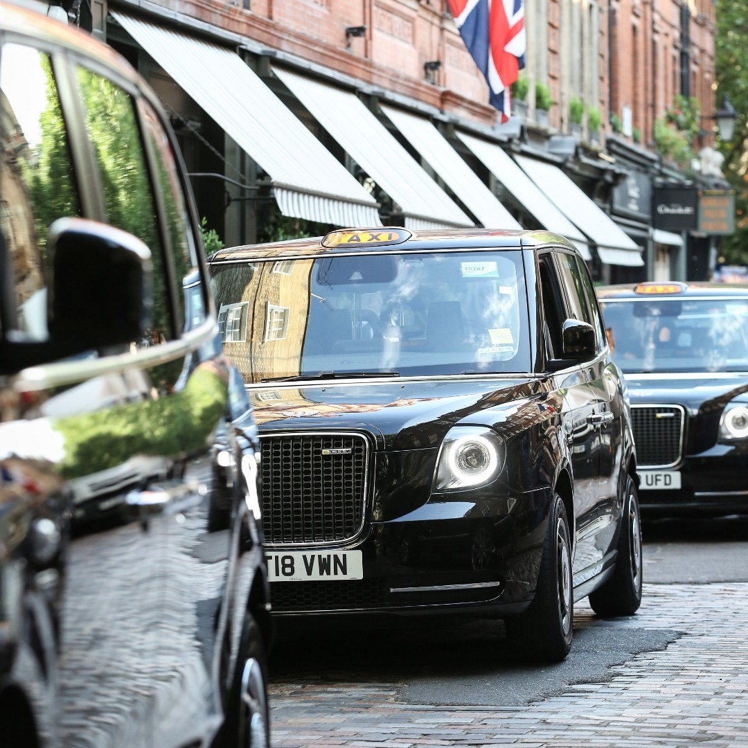 Designed, engineered & built in Britain. An icon reinvented, the humble black cab is now electrically-driven.  #ElectricTaxi #ElectricVehicle #CleanAir #MadeinBritain #BlackCab #FridayFeeling