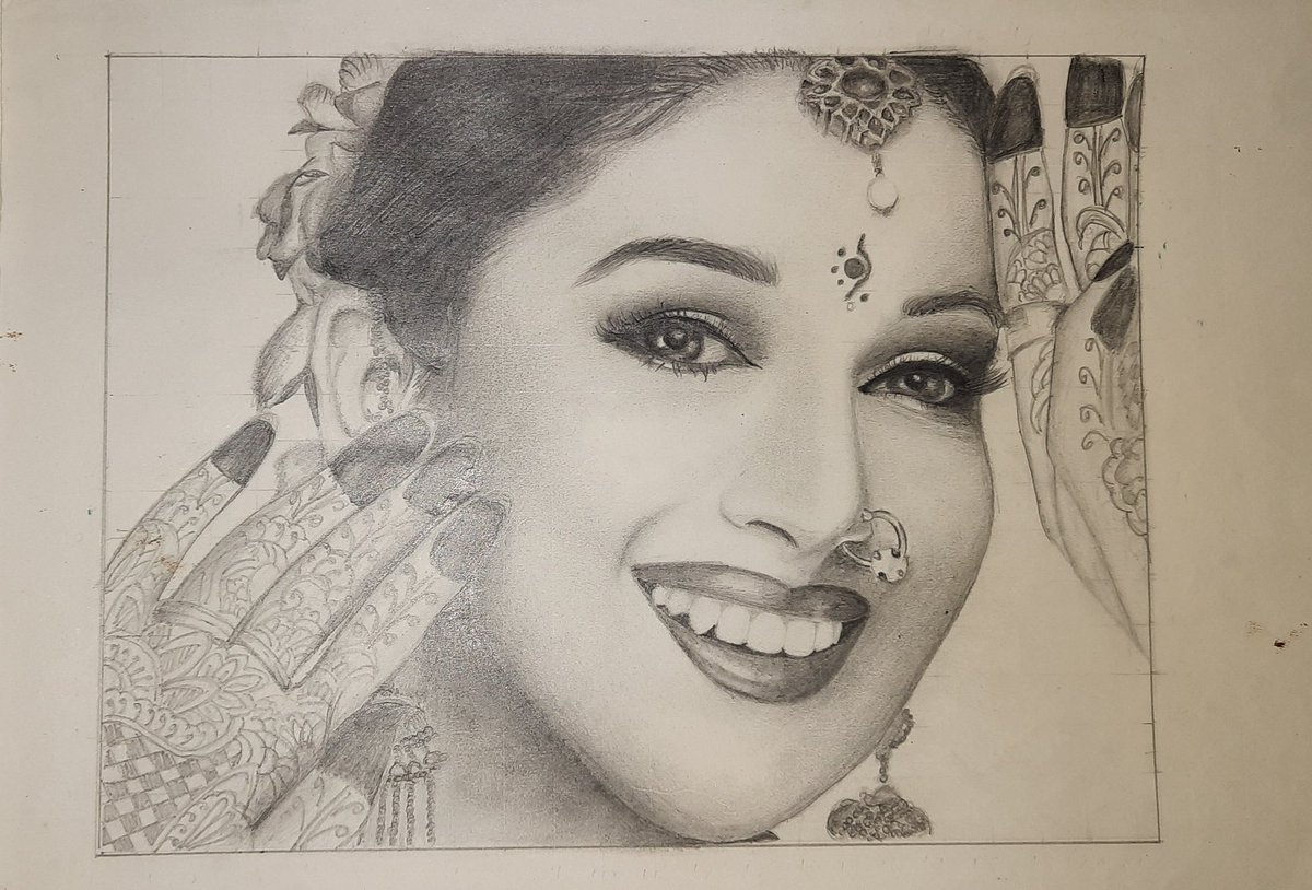 Hi Madhuri, my sister Gouri has drawn a sketch for you. Hope you like it ☺️ @MadhuriDixit
