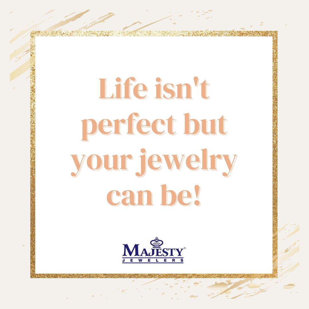 #FridayFeeling . . . . . #MajestyJewelers #StMaarten #Jewelry #Jewellery #Watches  #JewelryLover #SXM #LoveMajesty #Luxury #FineJewelry