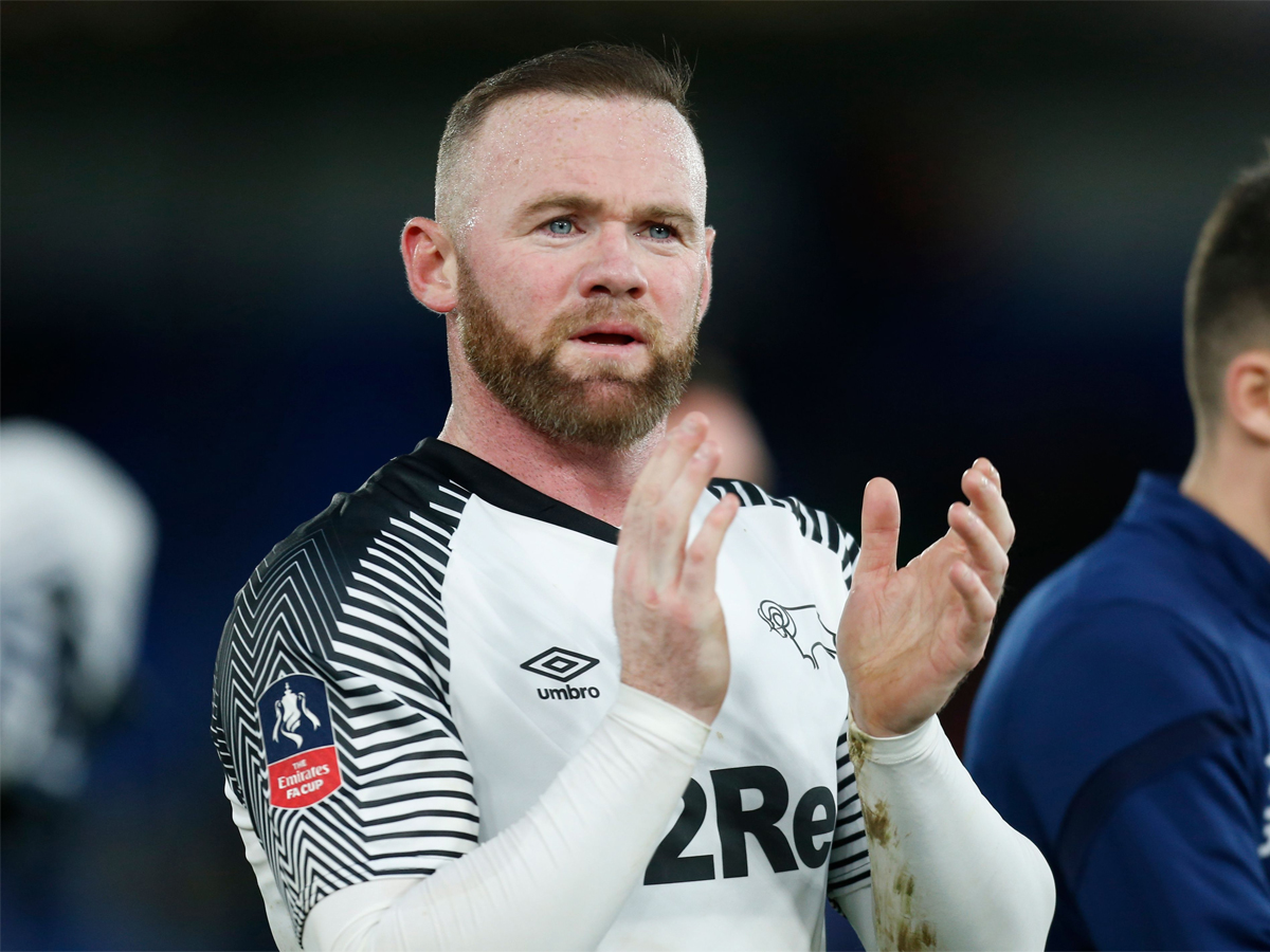 #WayneRooney   @WayneRooney ends playing career to become @dcfcofficial manager   Read: