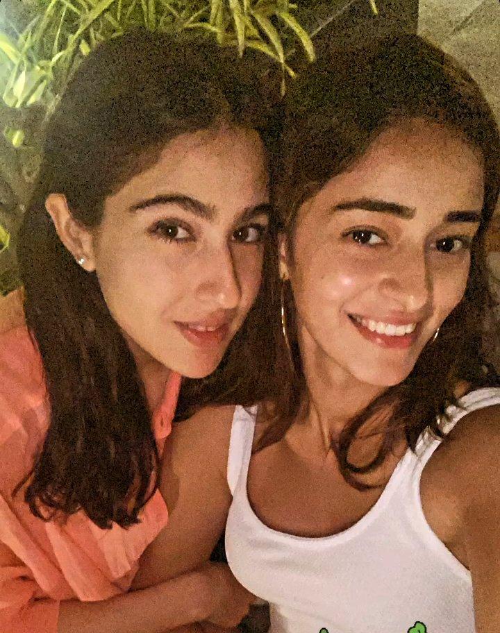 Selfie of the day... #SaraAliKhan #ananyapanday