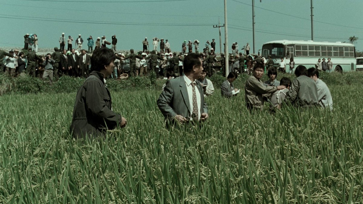 In his breakthrough second feature, MEMORIES OF MURDER (2003), Bong Joon Ho explodes the conventions of the policier with thrillingly subversive, genre-defying results.