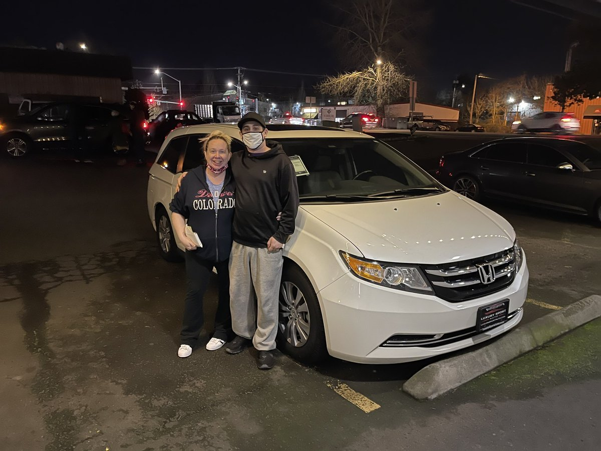 Congratulations @johnsonjessalyn & Family on the purchase of your new Honda Odyssey. Thank you, and enjoy the new ride!! . . . #honda #odyssey #hondaodyssey #luxurysportautos #luxurypreowned #bestoftheday #instalike #pnw #portlandor #cars #carsofinstagram #Congratulations