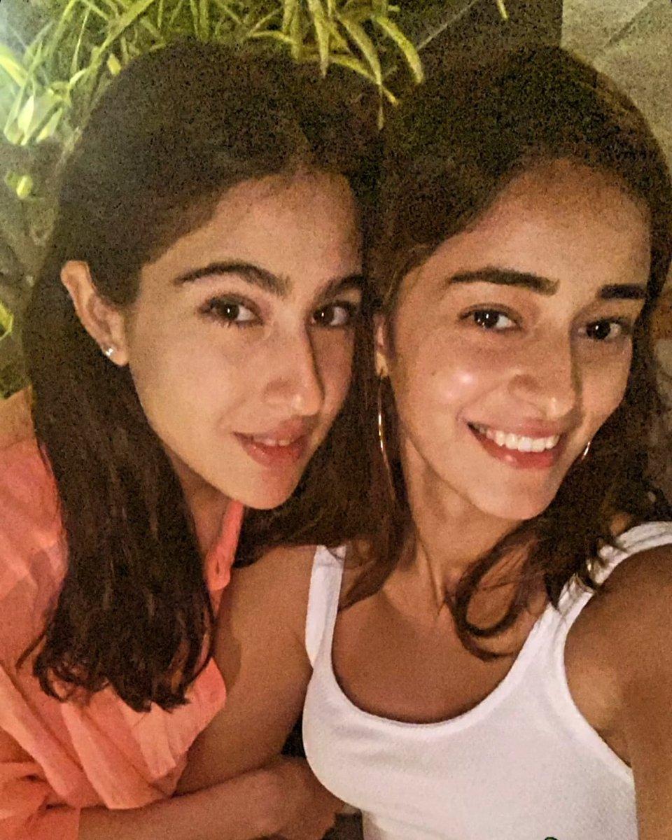 Cutiess together ❤ 📸😍 @ananyapandayy #SaraAliKhan . . @vgfbollywood  . . #ananyapanday #saraalikhanfc #ananyapanday #BollywoodActress  #BollywoodBreaking #bollywoodbeauty