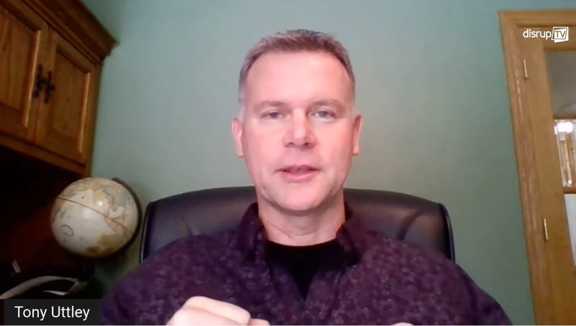 LIVE @DisrupTVShow! is kicking off with Tony Uttley, President of @honeywell Quantum Solutions talking about Quantum advantages. Next up are @divlams, CEO of @Transposit and @rcamerala, Advisor of The WXR Venture Fund. CC: @ValaAfshar @rwang0 #DisrupTV