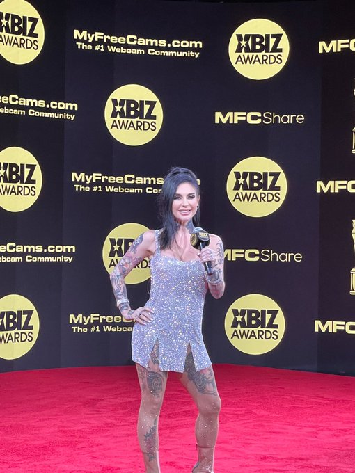 1 pic. It was so amazing seeing everyone on the virtual carpet at the @XBIZ awards! ✨ congrats to all