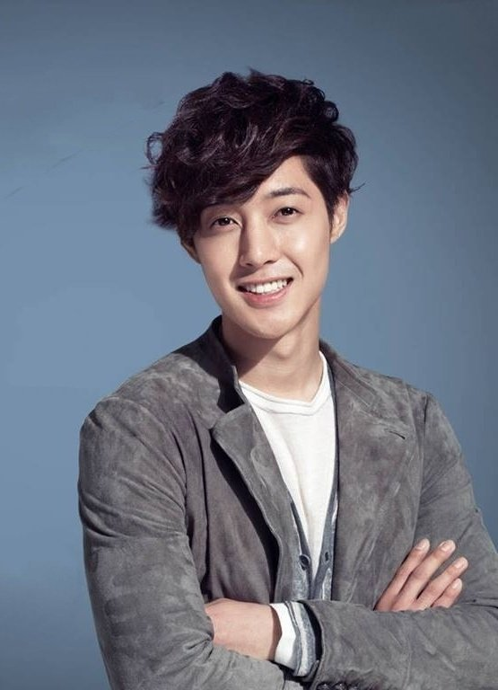 "Dear #TripleS & #Henecia friends if you want please support our #KimHyunJoong at ""most handsome actors in the world 2020"" with your votes.😍💕 Just 1vote per day but you can more with different devices. You can find him at page 3!😉 #SS501"