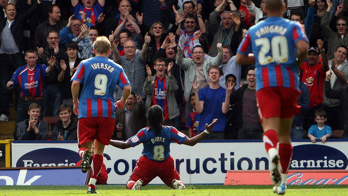 Given myself the time to go through old Palace Championship squads, unbelievable times and the players that come to mind throughout the seasons that came and went.  Proper Palace back in the day, 2006-2012 times   One of our best ever Home Kits as well #CPFC