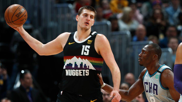 Nikola Jokic through 12 games : 24 ppg 10.4 apg (leads the league) 11.2 rpg 56% FG% 37% 3pt fg% If he keeps this up he should win MVP https://t.co/70WFO0N0As