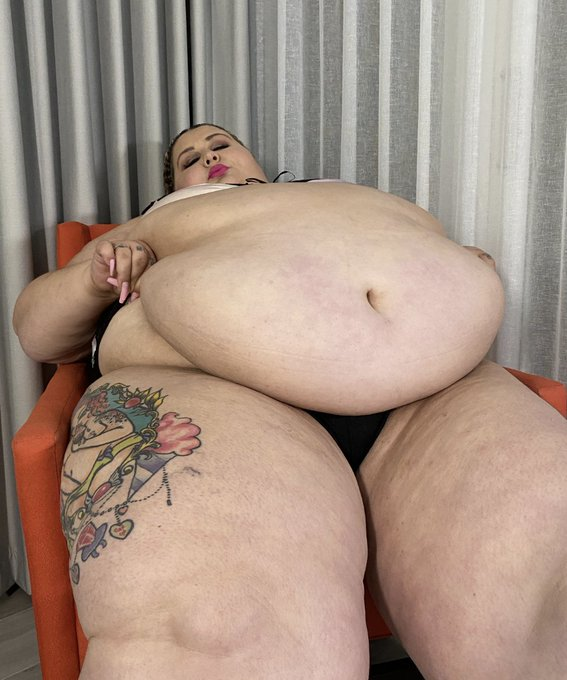 Back in 2nd place for the first round of the MV awards for BBW of the Year! Help keep me in the top 5