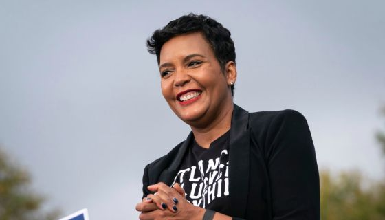 Atlanta Mayor Keisha Lance Bottoms Nominated To Be Vice Chair Of DNC https://t.co/QuiQraPcwU https://t.co/WpUyBvuSW9