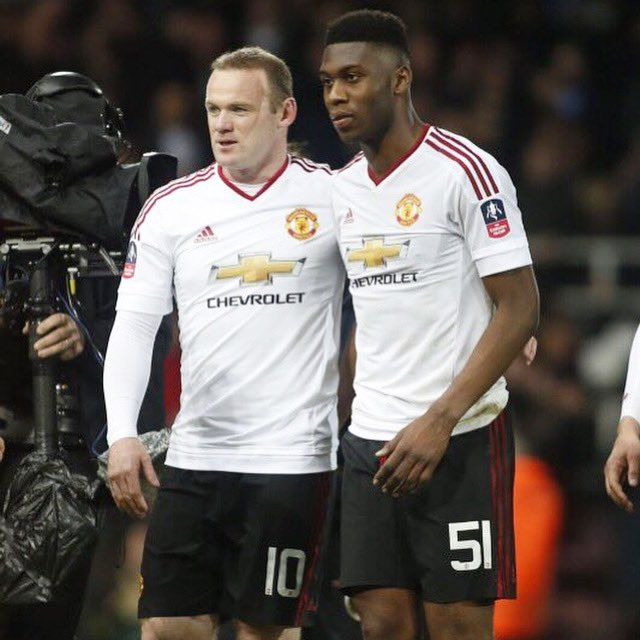 Grateful to have played alongside u.. enjoy your retirement and goodluck  for the next chapter 🙏🏾👏🏾💪🏽 @WayneRooney