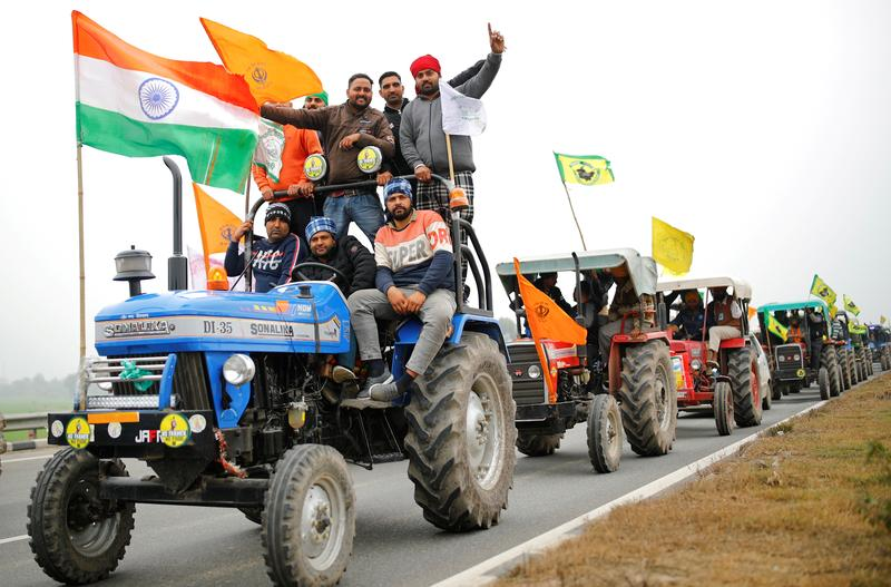 Indian government, protesting farmers make no headway in talks, to reconvene Tuesday reuters.com/article/india-…