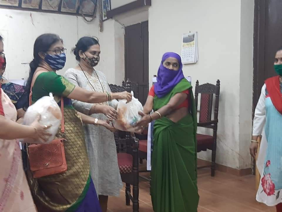 #Diwali2020 #Archives Nari Shakti had celebrated this year's Diwali by distributing sweets to our Municipality labourers. A small token to the people who served us tirelessly even during pandemic without wfh option.