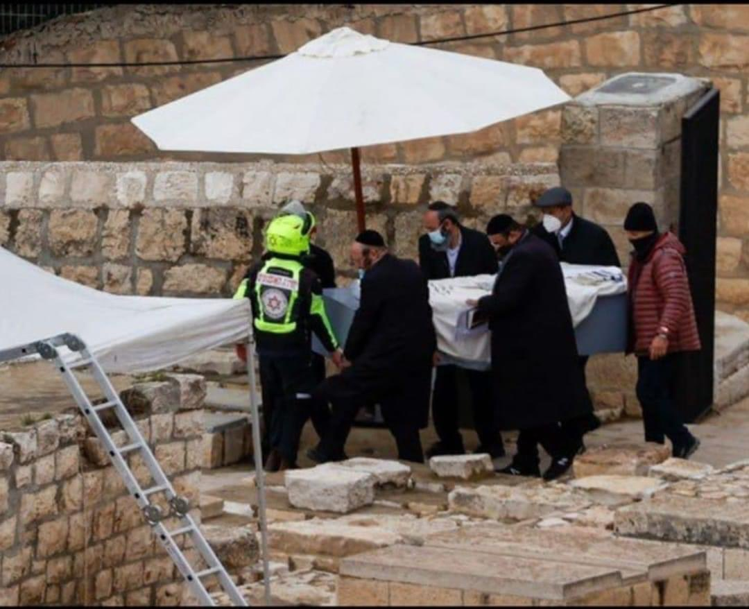 Today, Sheldon Adelson was buried in Jerusalem. Having amassed of fortune of over 36 Billion, is buried with no fanfare, no ornate casket. The billions cant go with him but the innumerable amounts of charity that he gave throughout his life surely acompanies him.