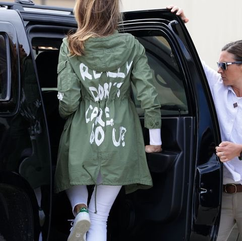 @FLOTUS @WhiteHouse #bebest ?? Remember the time visited the illegal kids in cages and wore this jacket smh