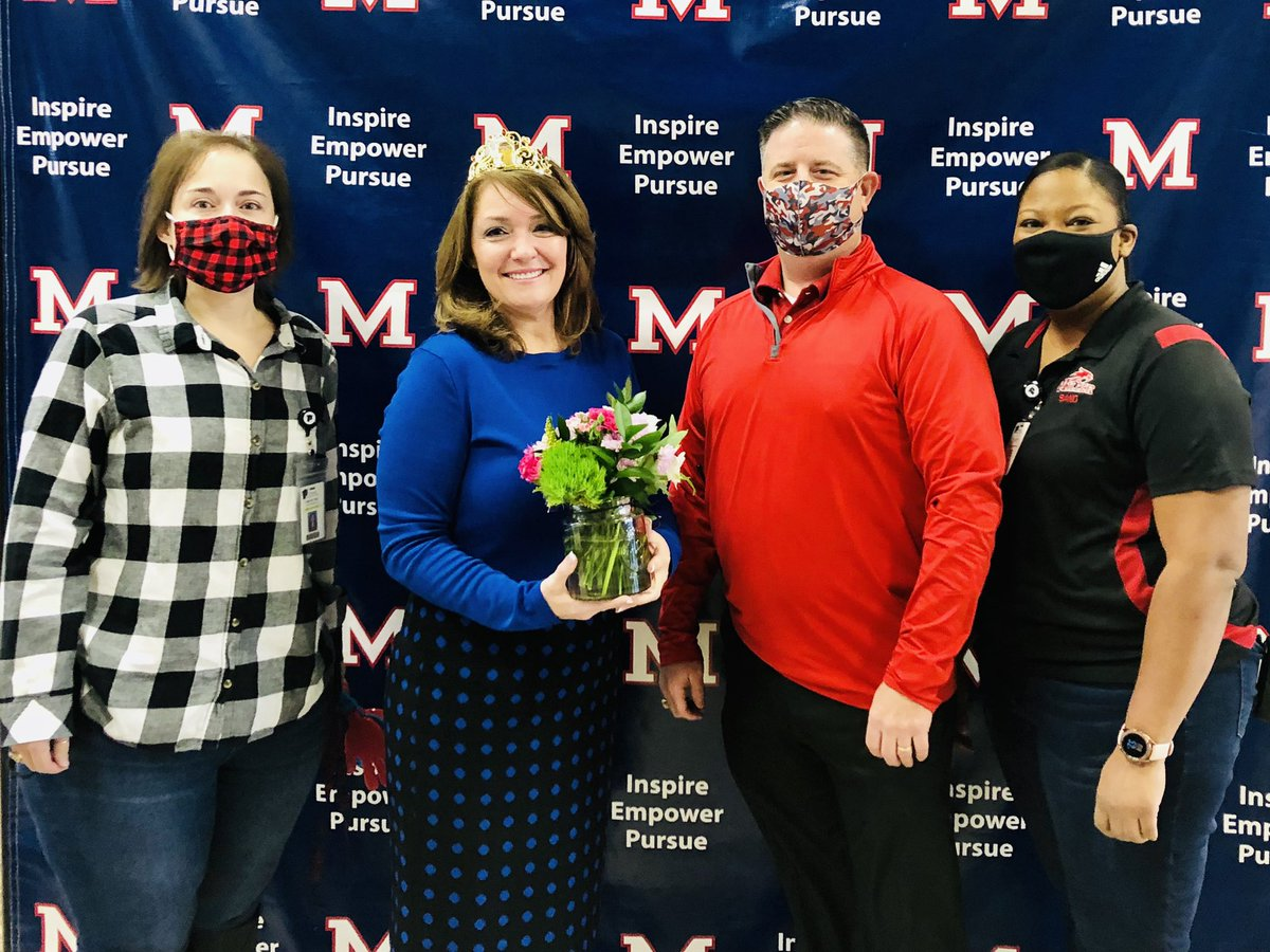 Congratulations to our #TeacherOfTheYear Ms. Hahn! Miller is beyond #proud to have you on our campus. Your expertise & love for our Bobcats shows daily. Thank you for sharing your passion & continue to #PassItOn. ❤️💙🐾🏆 #BFND #WhatTheBestDoBetter #WeArePearlandISD