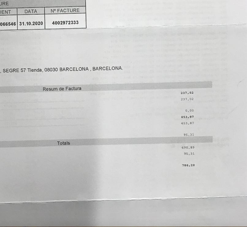 #Correos empresa en números rojos no nos atiende. Por un error nos anula el contrato cuando les facturamos de media unos 700 euros mensuales,y @CorreosAtiende no nos da ninguna solución.¿Cómo es posible que con unas pérdidas de 285,5 mill. en 2020 hagan esto? #Barcelona #Espana