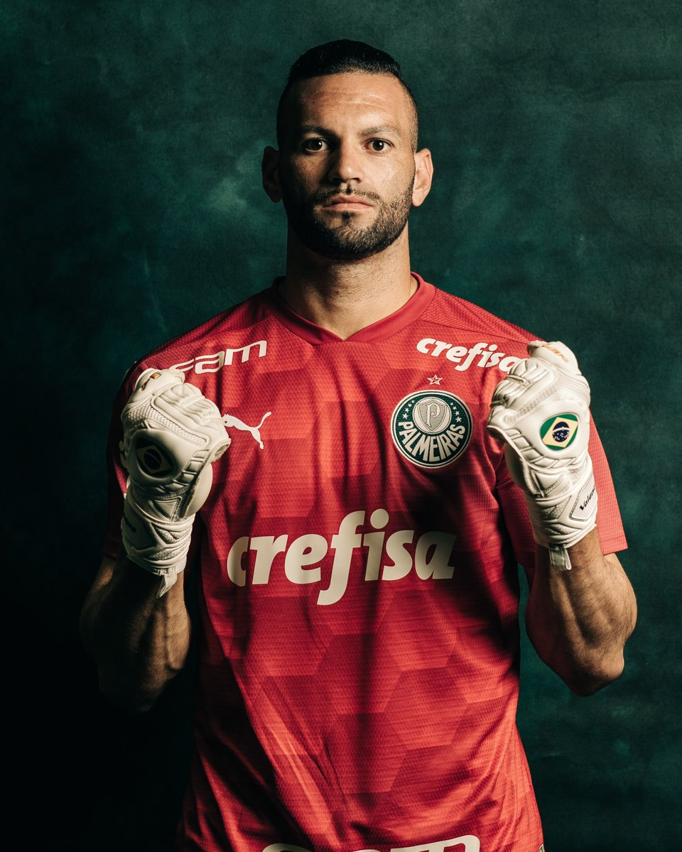 🐷 One of the 2020 #Libertadores' best goalkeepers!  Weverton has conceded just 6⃣ goals in 1⃣2⃣ matches with @Palmeiras in this year's competition.  🧤3⃣9⃣ saves  ❌7⃣ clean sheets  🔜An #OtherworldlyFinal is coming!