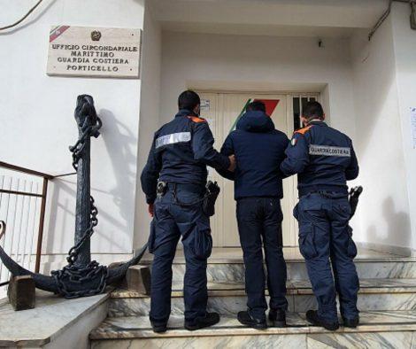 Rissa durante i controlli nella zona rossa di Santa Flavia, arrestato un uomo di 52 anni - https://t.co/tmDUbzIWub #blogsicilianotizie
